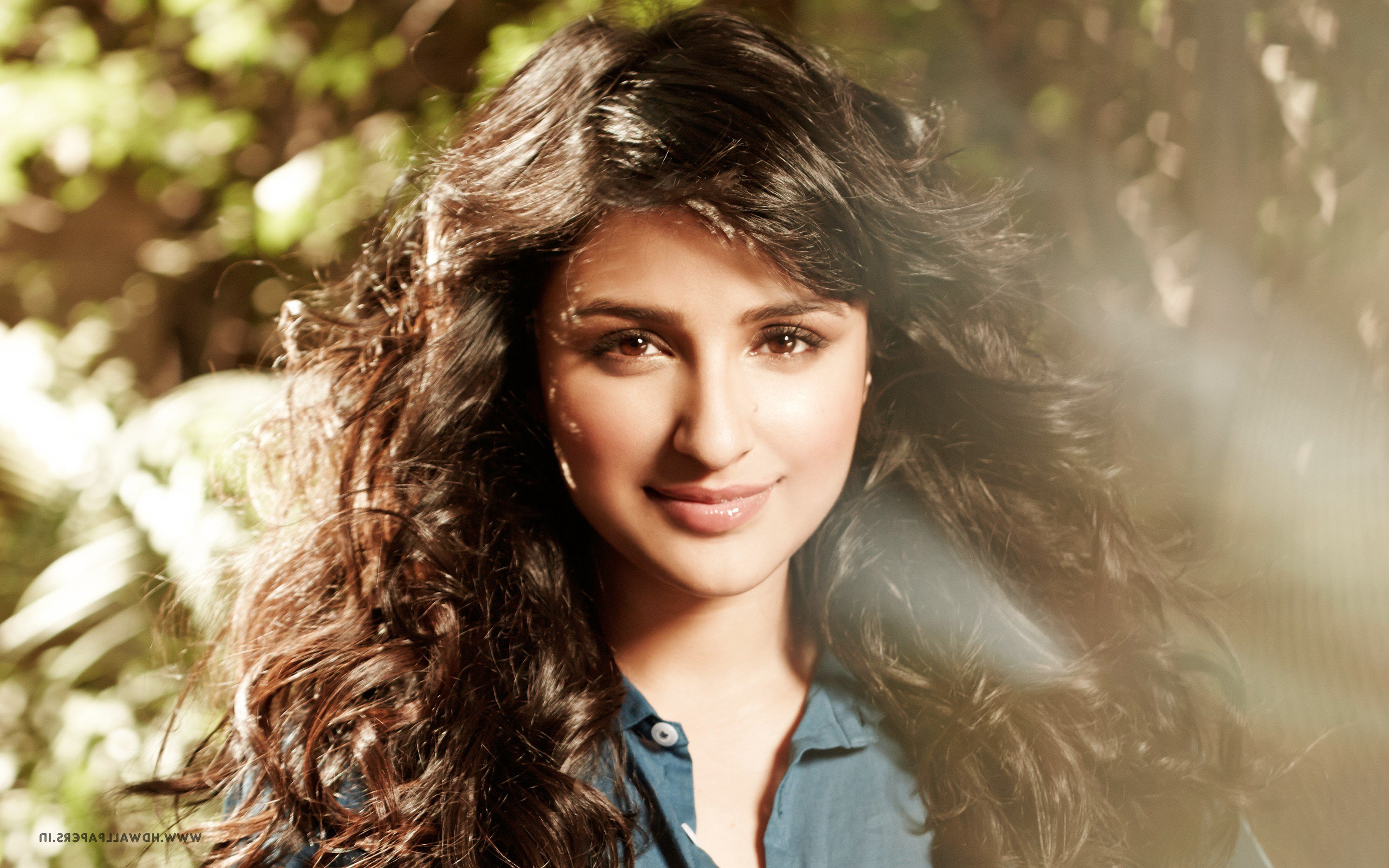 640x1136 2016 parineeti chopra iphone 5 5c 5s se ipod - Parineeti chopra wallpapers for iphone ...