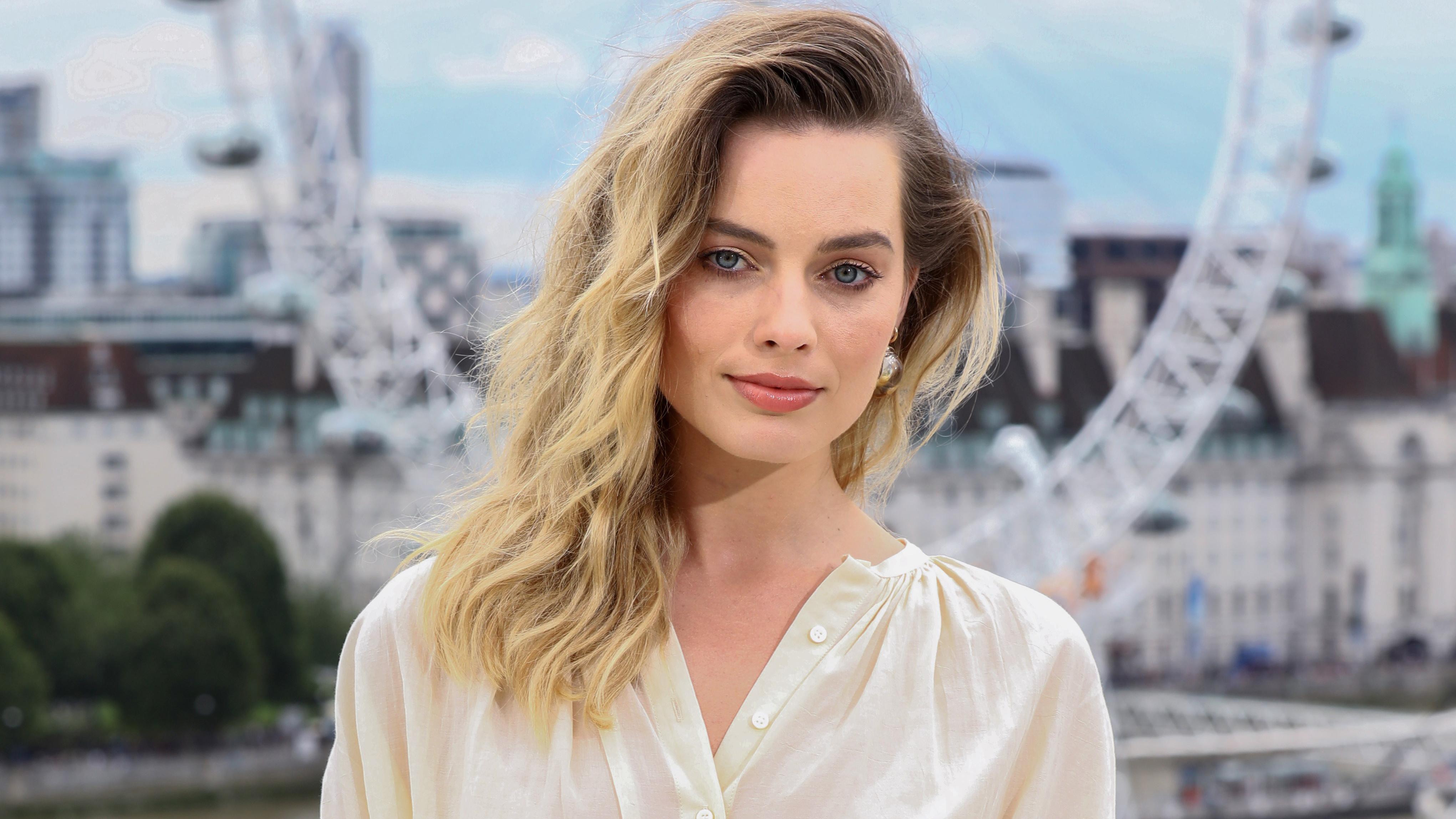 2160x3840 Margot Robbie 2019 4k Sony Xperia X,XZ,Z5