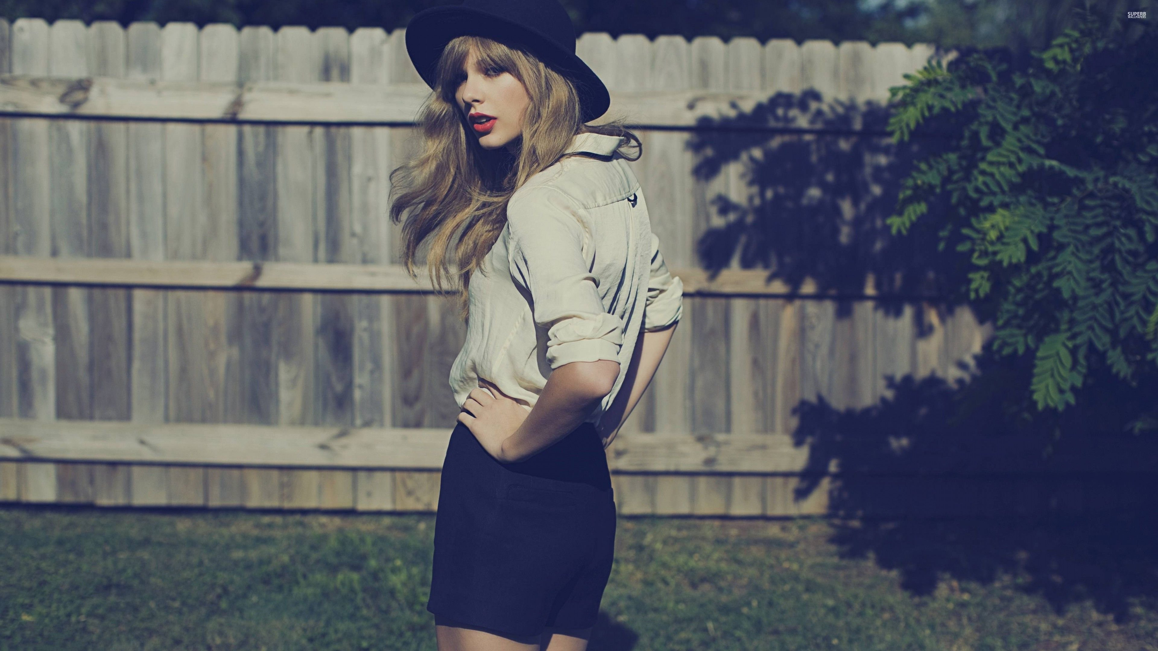 4k Taylor Swift Singer