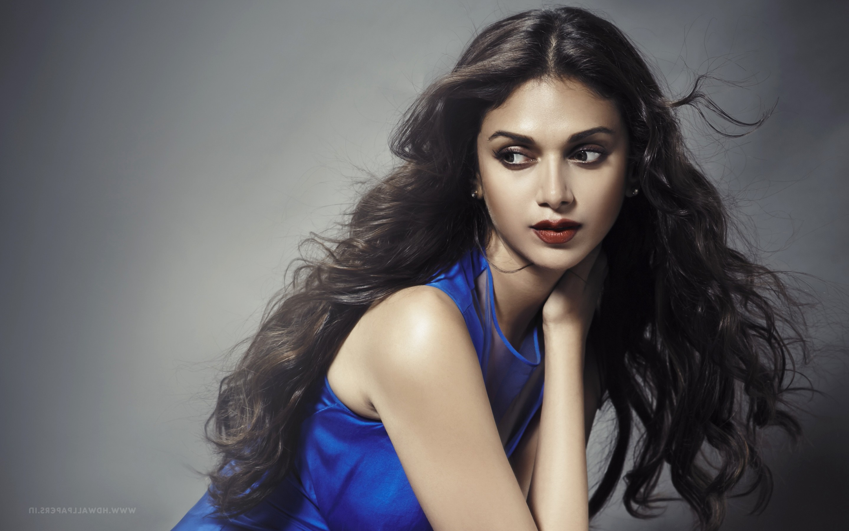 640x1136 aditi rao hydari 4 iphone 5 5c 5s se ipod touch for Aditi indian cuisine