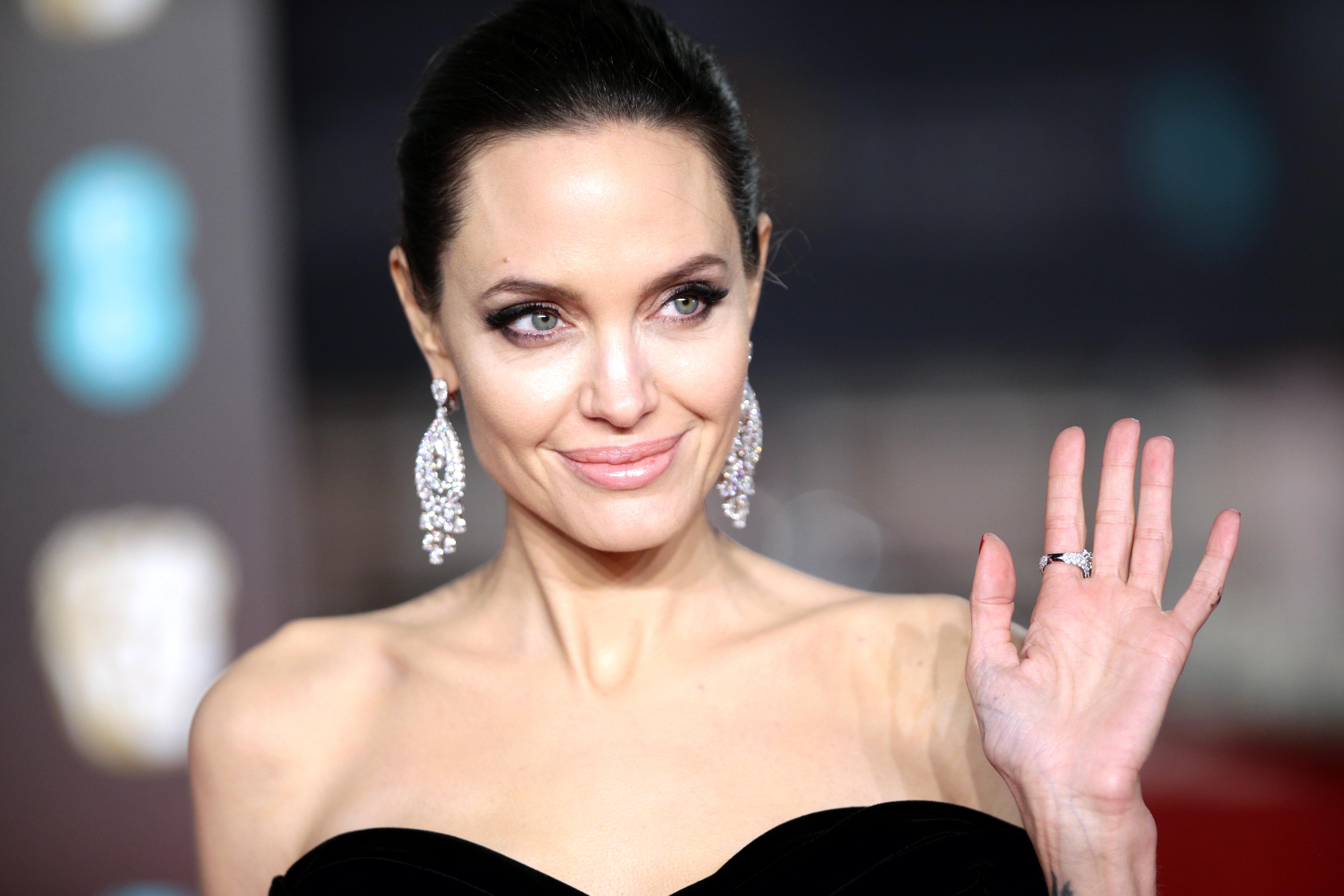 Angelina Jolie 2018, HD Celebrities, 4k Wallpapers, Images ... анджелина джоли 2018