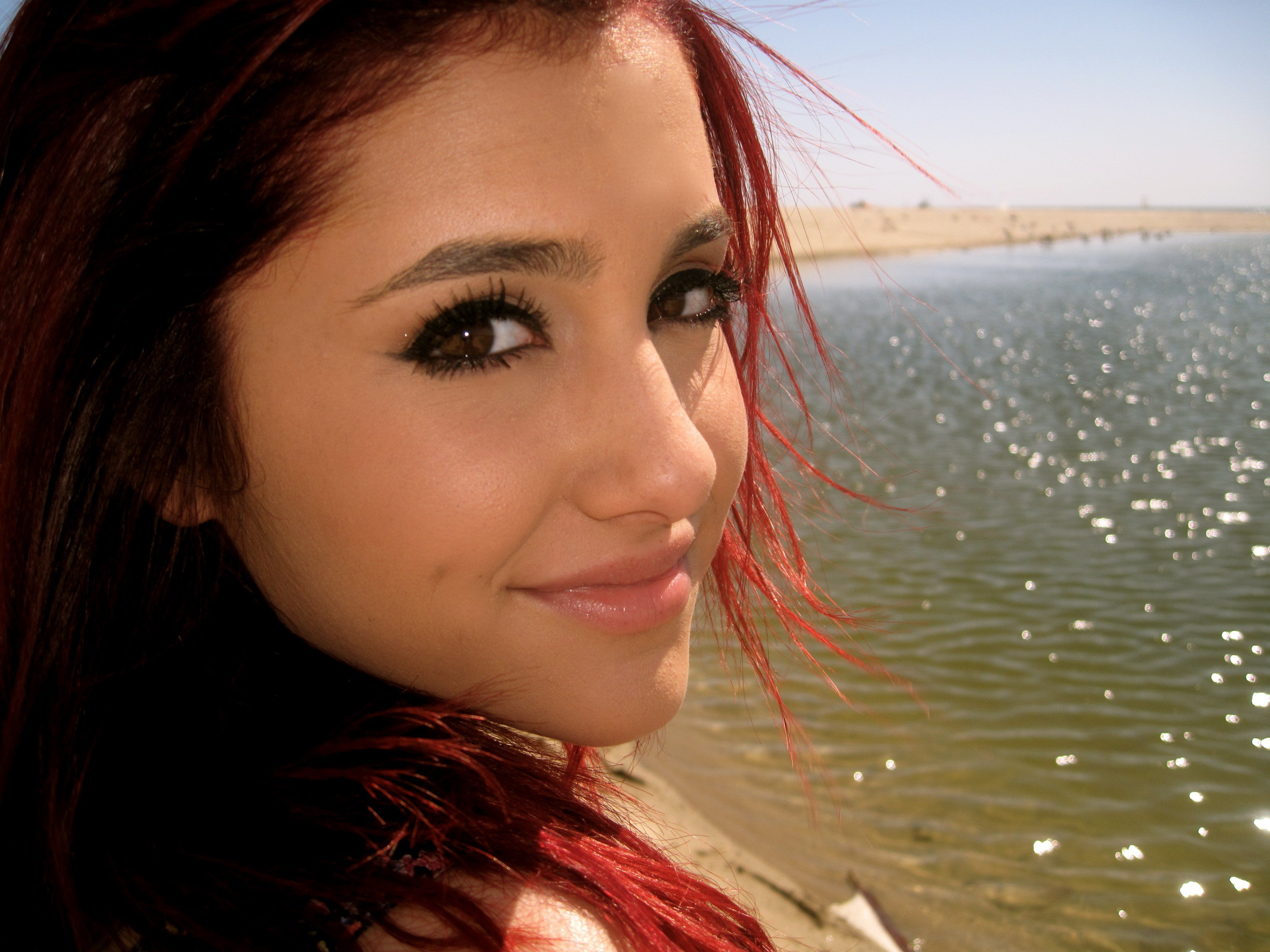 Ariana Grande Old Apple IphoneiPod TouchGalaxy Ace