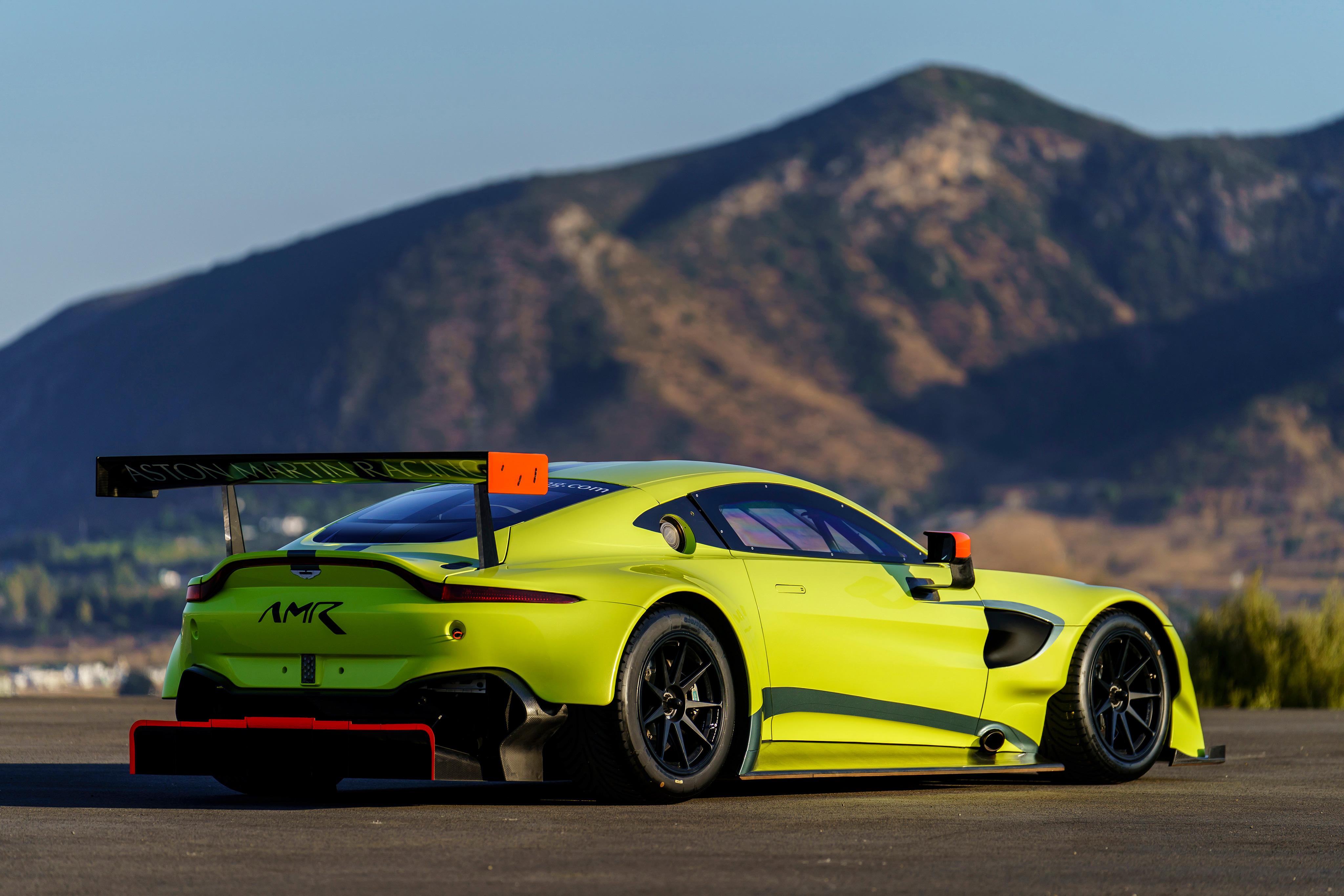 2560x1600 Aston Martin Vantage Back 4k 2560x1600 Resolution