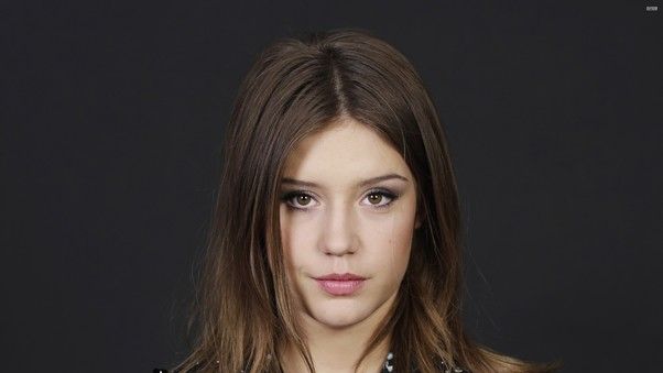 adele-exarchopoulos-celebrity-image.jpg