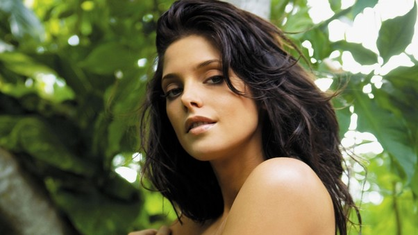 ashley-greene-pic-pic.jpg