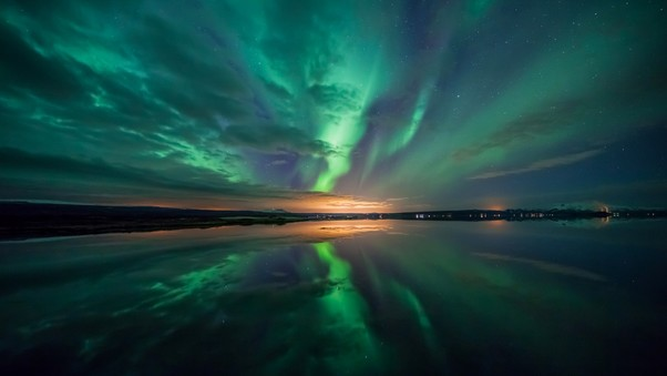 aurora-over-lake.jpg