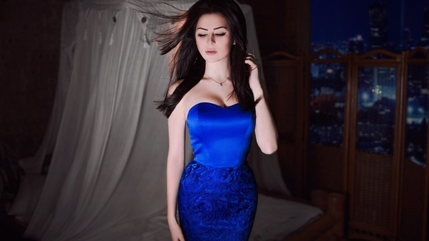 blue-dress-model-do.jpg