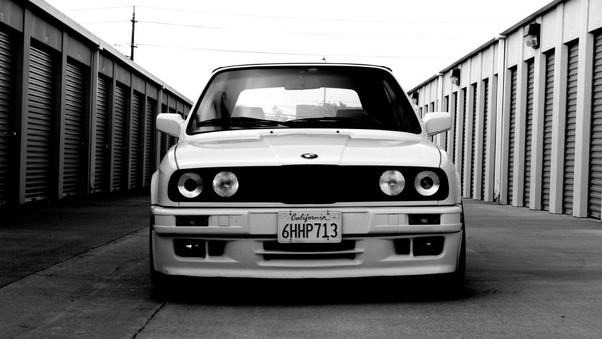 bmw-e30-monochrome-wallpaper.jpg