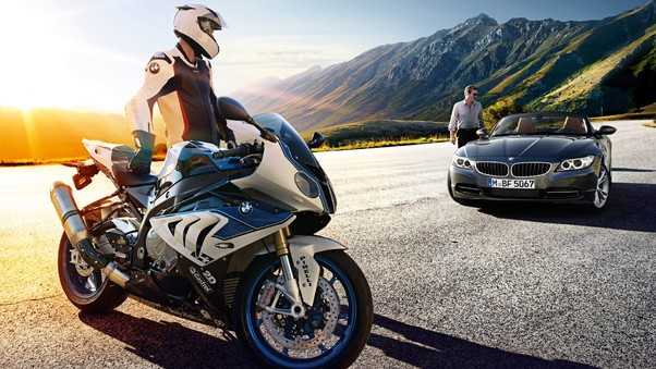 BMW S1000RR Vs Car