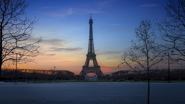 eiffel-tower-paris-on.jpg