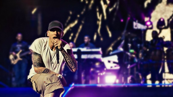 eminem-on-stage-wide.jpg