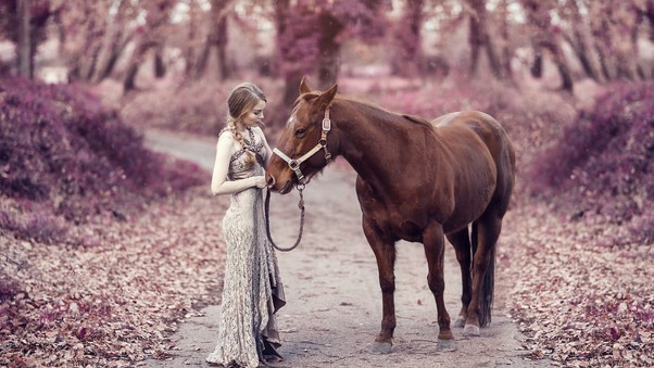 girl-with-horse-image.jpg