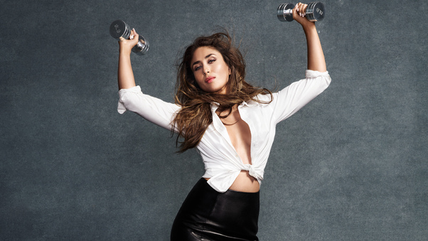 kareena-kapoor-vogue-2016-po.jpg