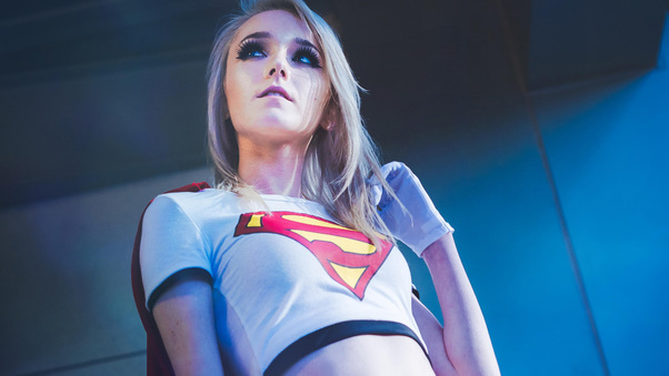 kawaii-queen-tsun-as-supergirl-cosplay-ik.jpg