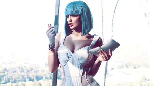 kylie-jenner-cotton-candy-blue-hair-zc.jpg