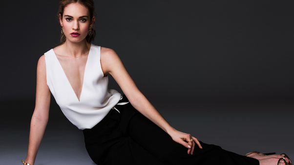 lily-james-2017-on.jpg