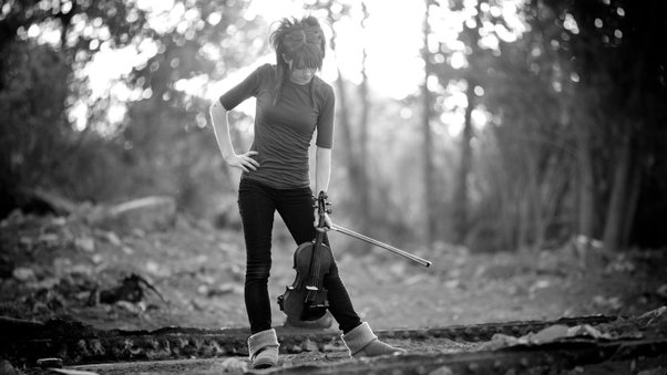 lindsey-stirling-monochrome-image.jpg