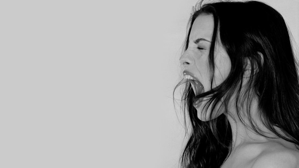 liv-tyler-monochrome-photography-wide.jpg