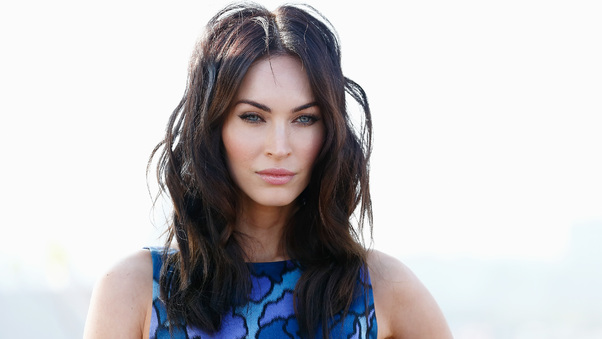 megan-fox-elle-2017-hp.jpg