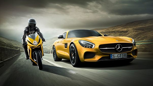 mercedes-vs-motorcycle.jpg
