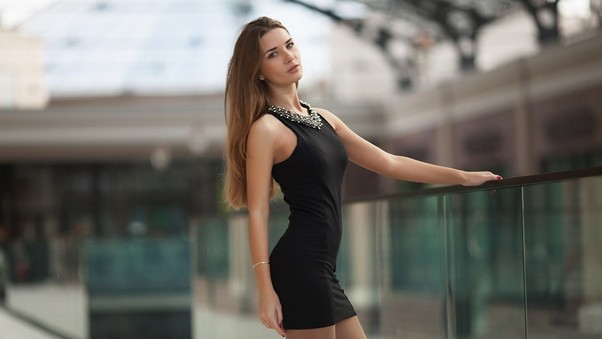 model-in-black-mini-dress-pic.jpg