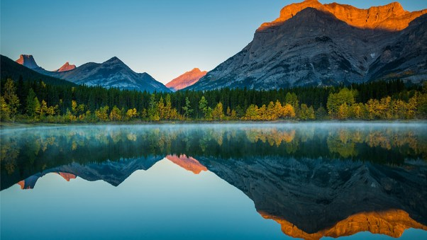 mountain-reflection-in-lake-image.jpg