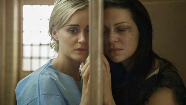 piper-chapman-and-alex-in-orange-is-the-new-black-ry.jpg