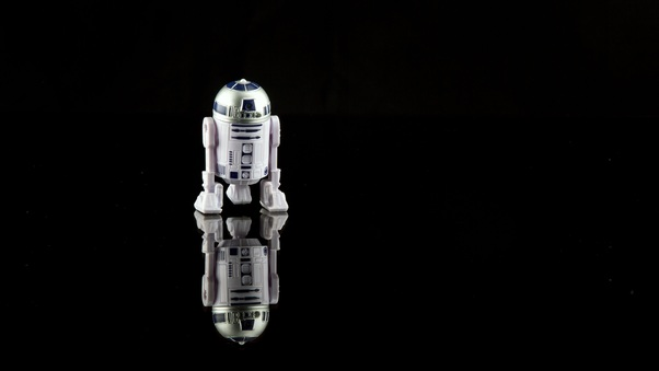 r2-d2-star-wars-toy-x2.jpg