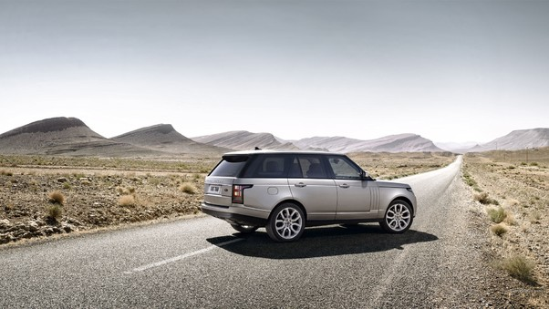 range-rover-on-alone-road-image.jpg