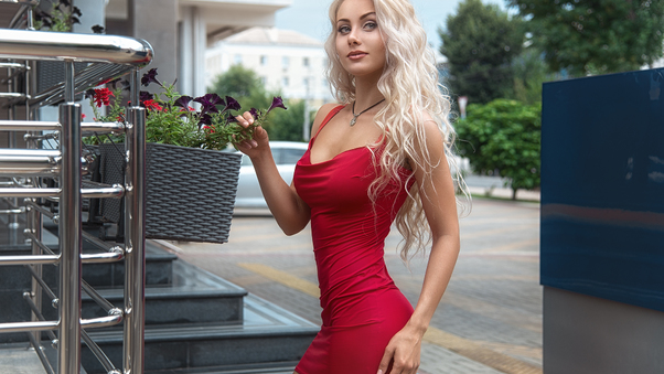 red-dress-beauty-outdoor-8g.jpg