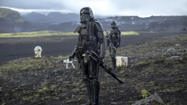 rogue-one-a-star-wars-story-trooper-on.jpg