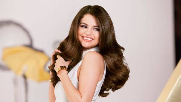 selena-gomez-cute-smile-to.jpg