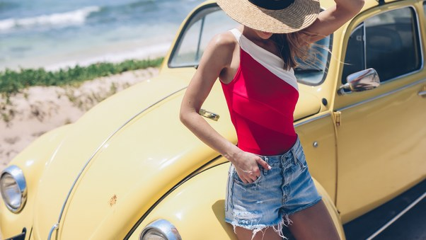 summer-girl-with-yellow-car-hat-nt.jpg