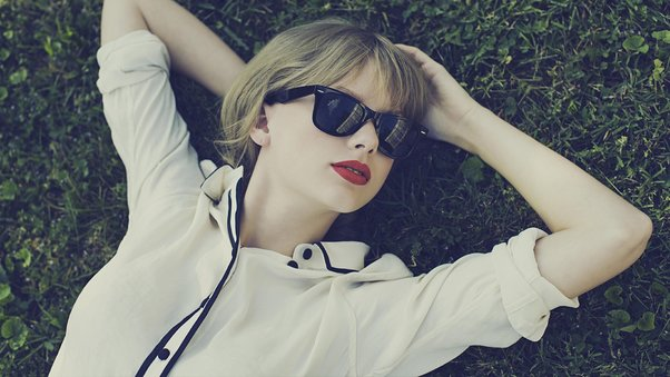 taylor-swift-1080p-qhd.jpg
