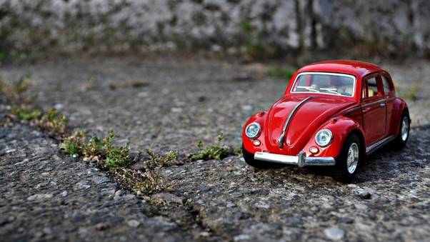 volkswagen-toy-macro-wallpaper.jpg