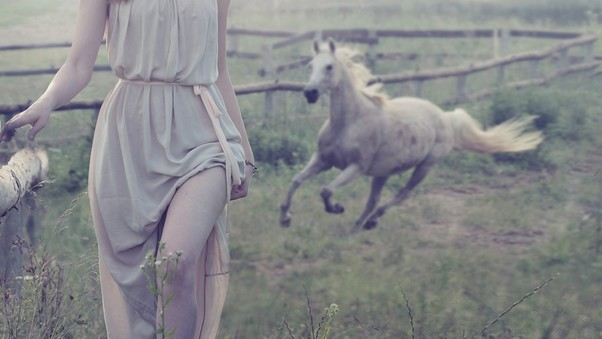 women-outdoor-with-white-horse.jpg