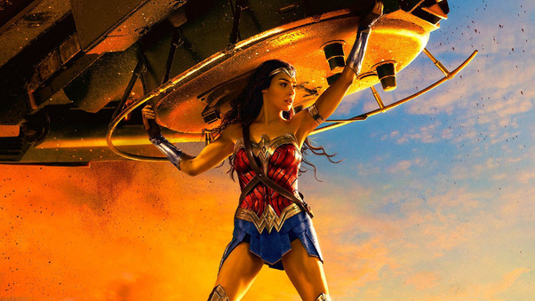 wonder-woman-lifting-tank-oq.jpg