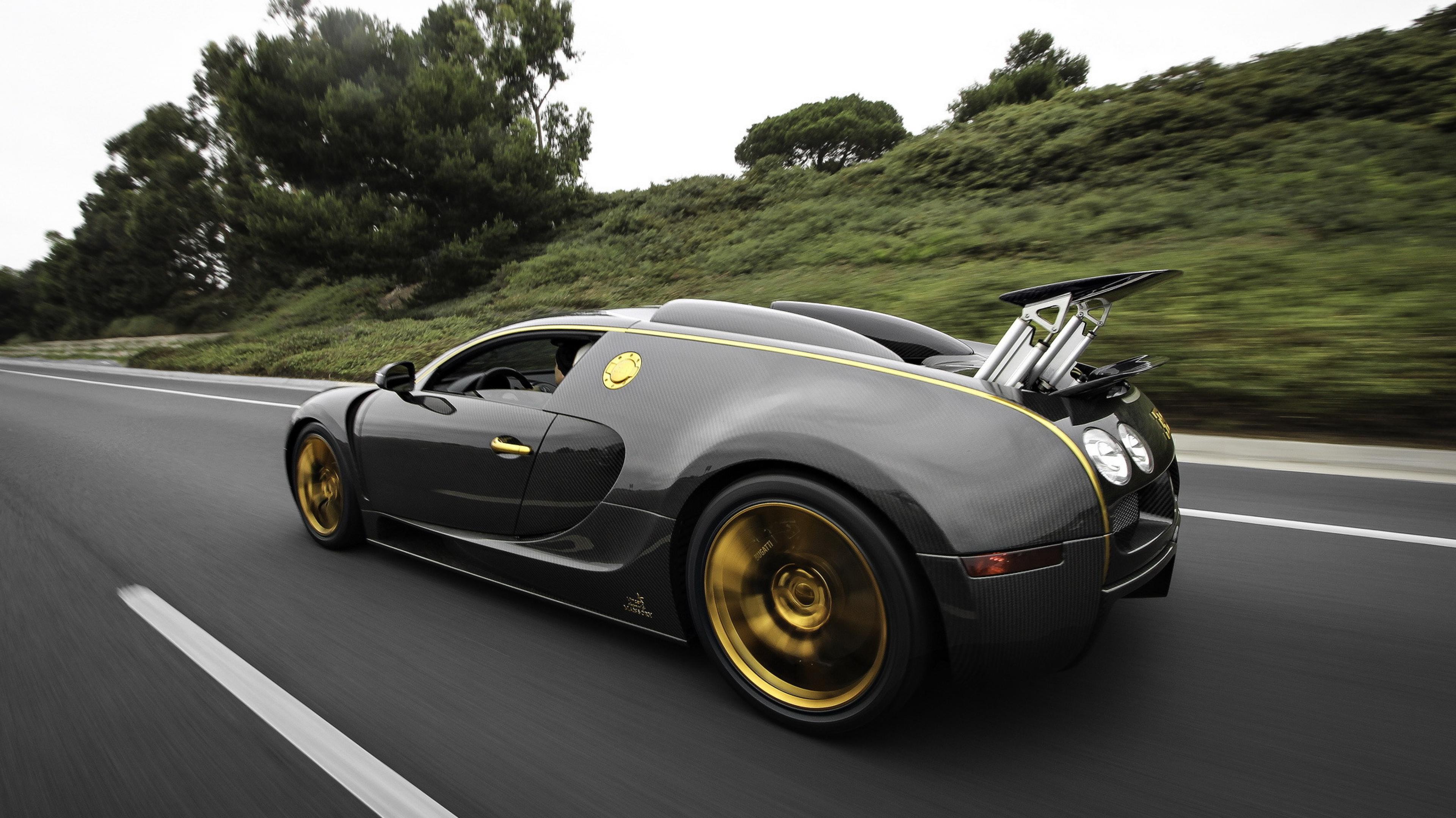 Bugatti Veyron Custom 1280x1024 Resolution