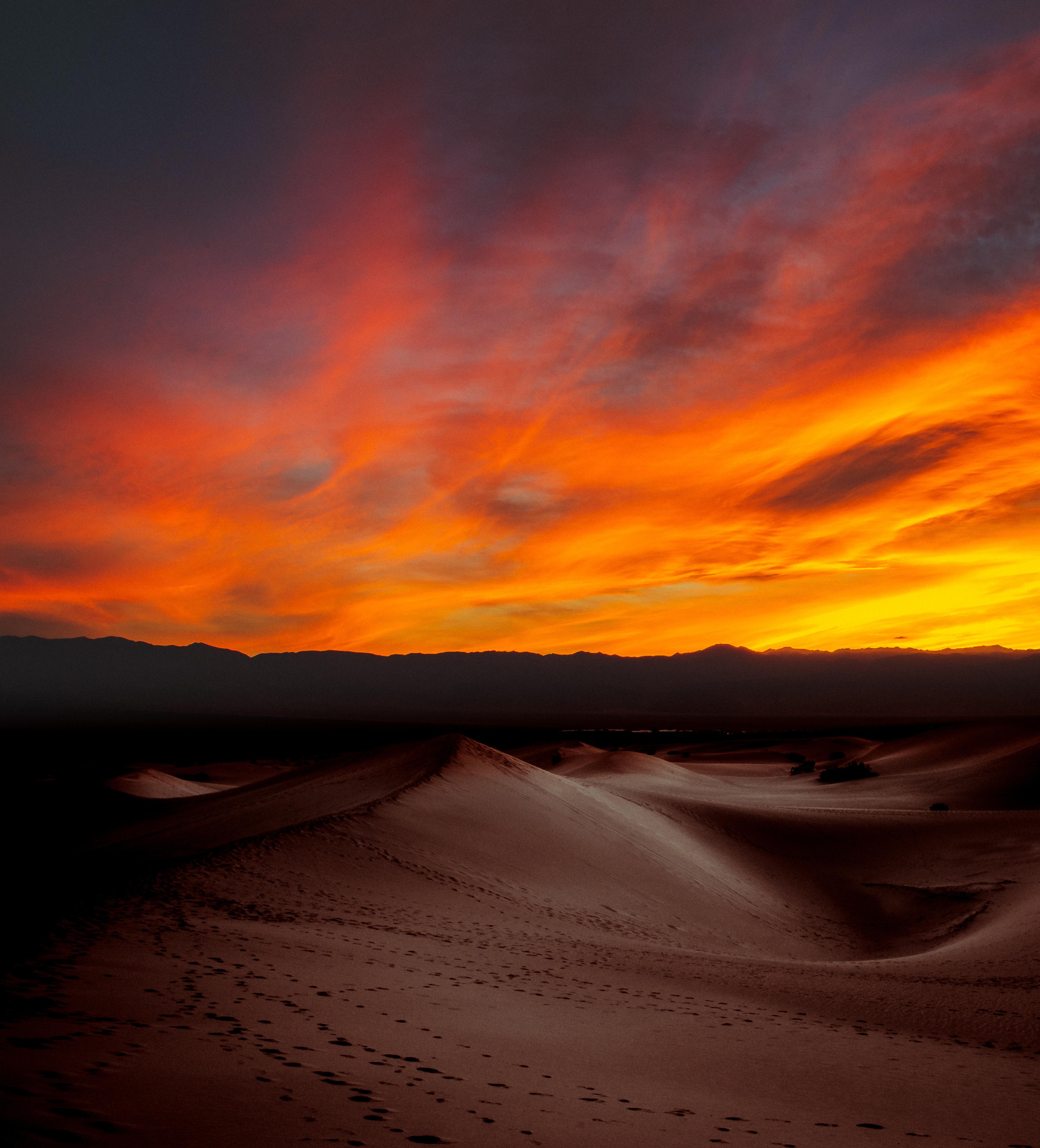 Smartphone Wallpaper 4k Nature: Burning Sunset Dark Desert 4k, HD Nature, 4k Wallpapers
