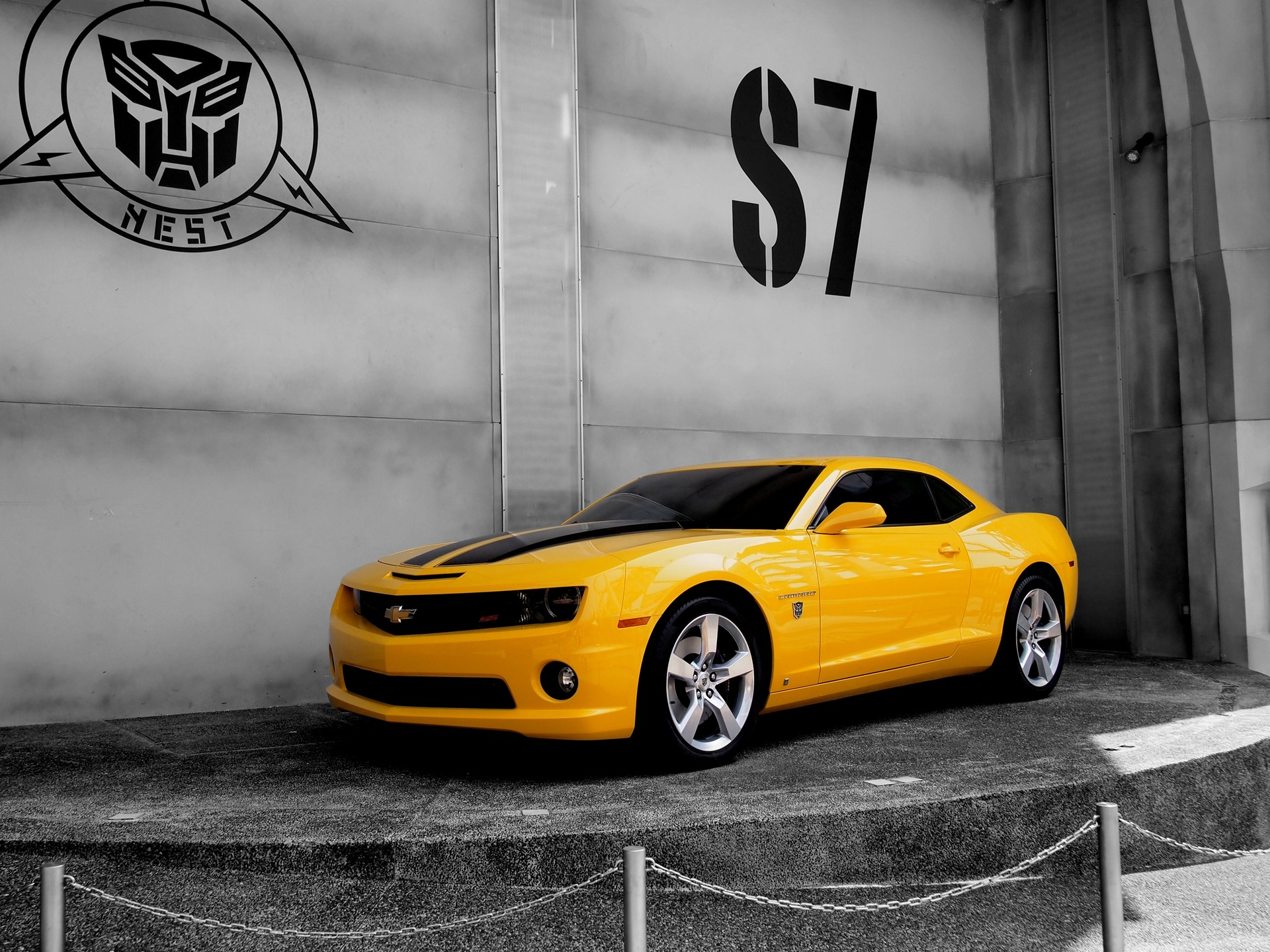 Camaro In Transformer Hd Cars 4k Wallpapers Images Backgrounds