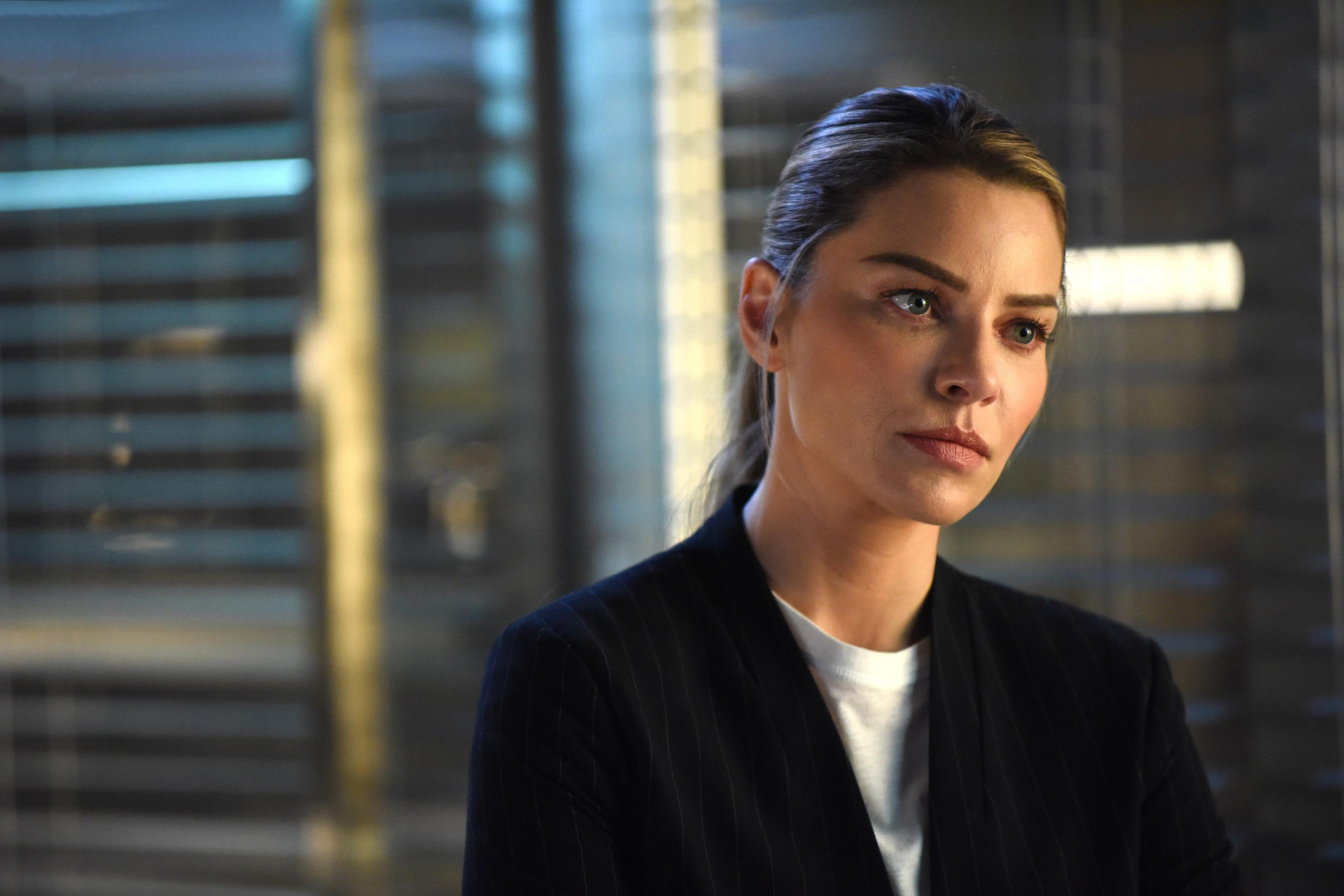 Chloe Decker As Lauren German In Lucifer 2017, HD Tv Shows ...