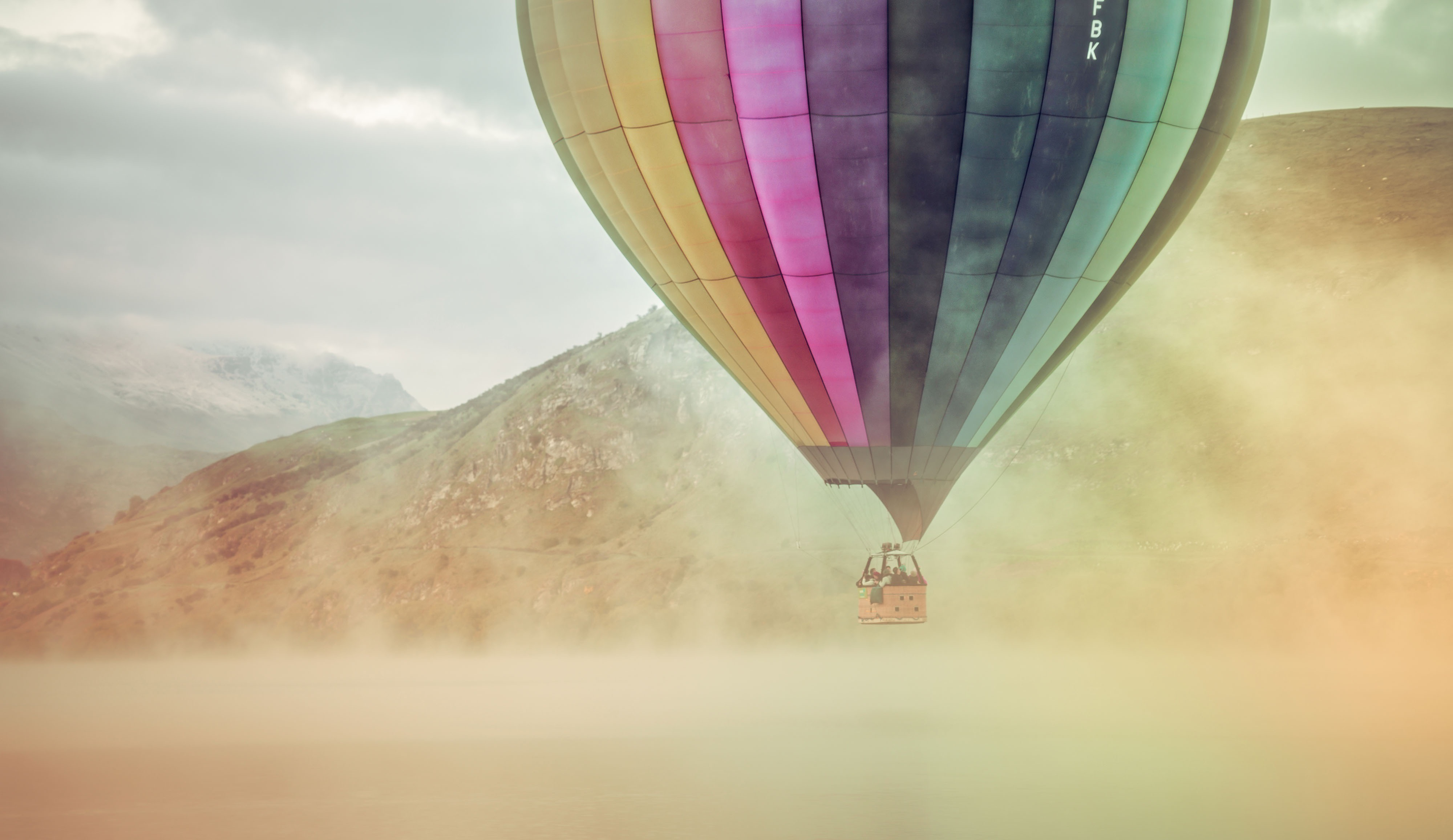 1125x2436 Colorful Hot Air Balloon Iphone Xs Iphone 10