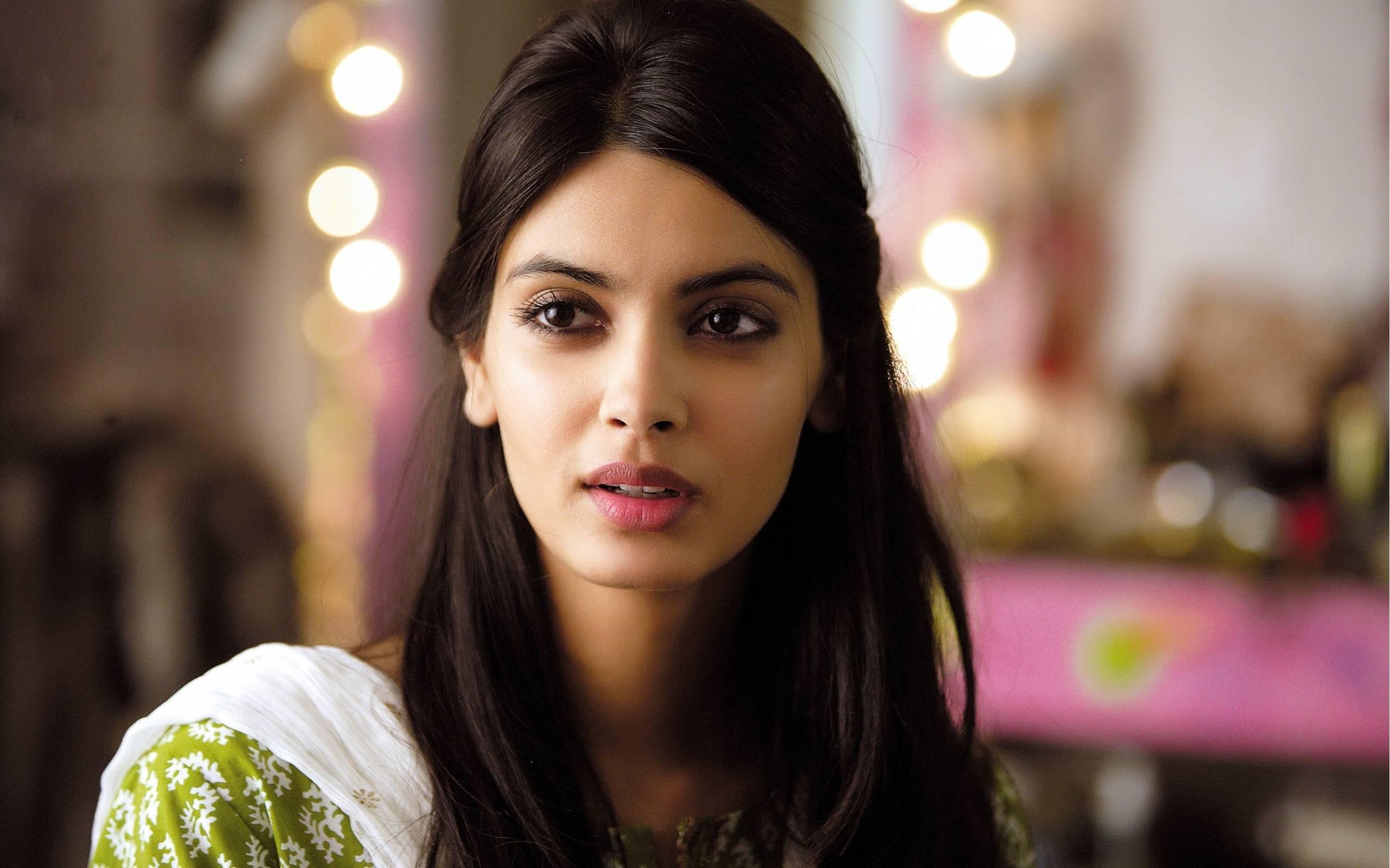 Diana penty gorgeous hd indian celebrities 4k wallpapers - Indian ladies wallpaper ...