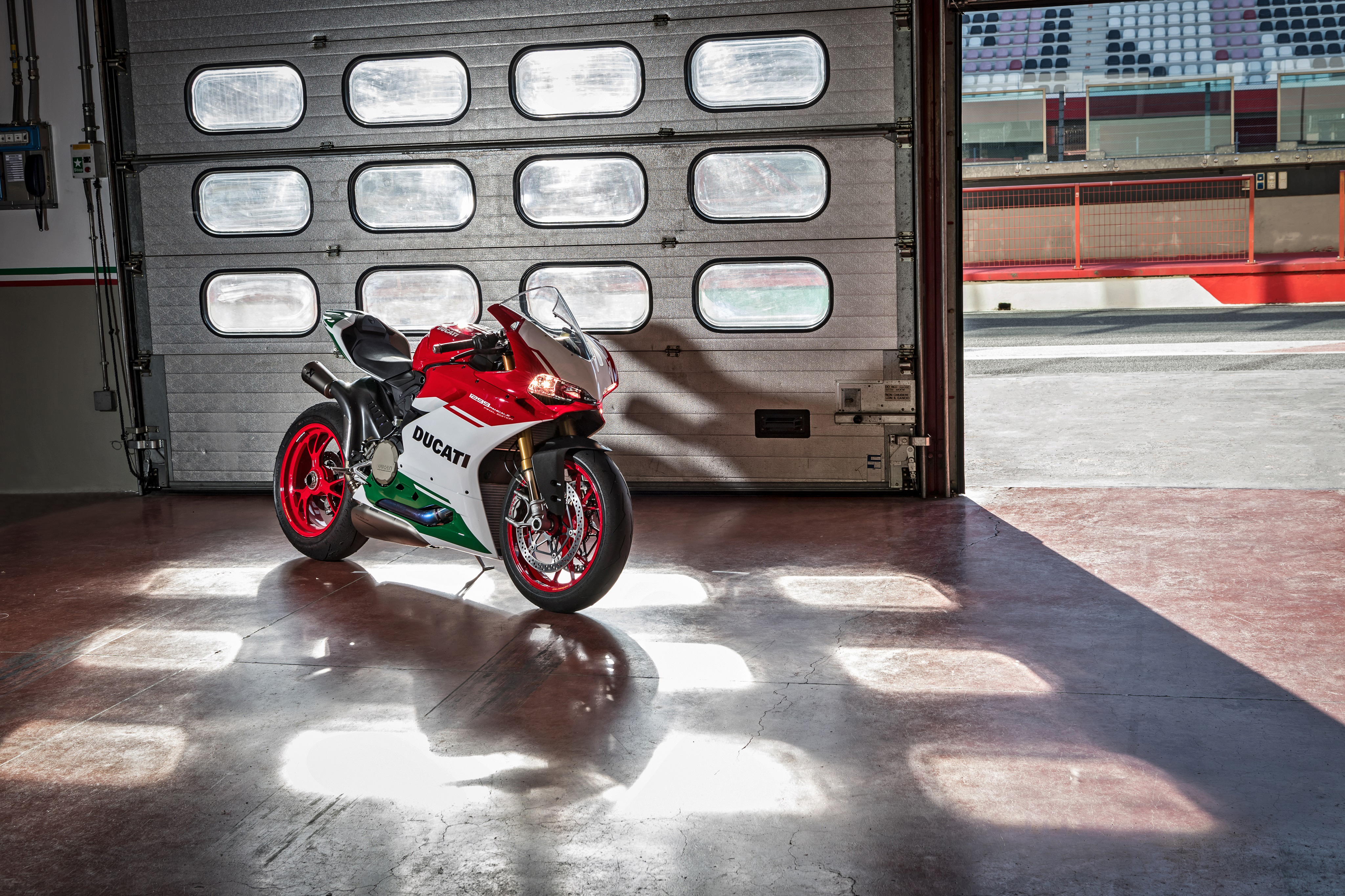 Ducati 1299 Panigale S 4k Wallpapers: Ducati 1299 Panigale 2017, HD Bikes, 4k Wallpapers, Images