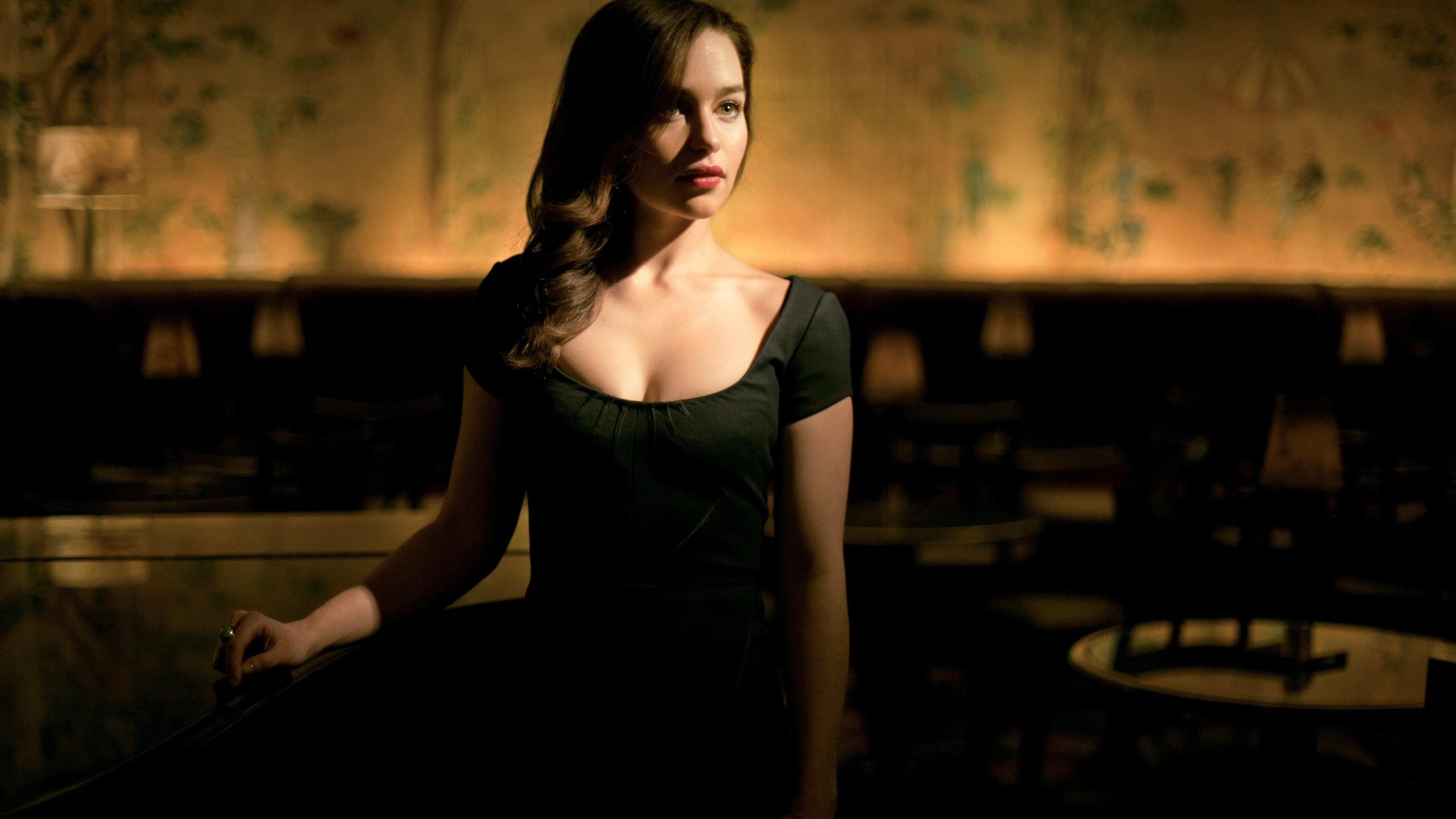 x Emilia Clarke Cleavage x Resolution HD k