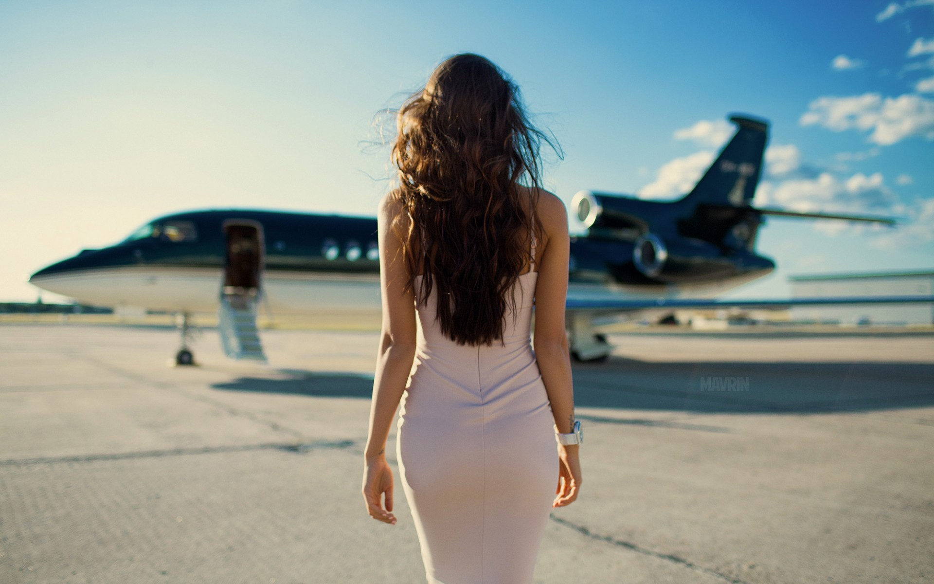 Girls With Planes