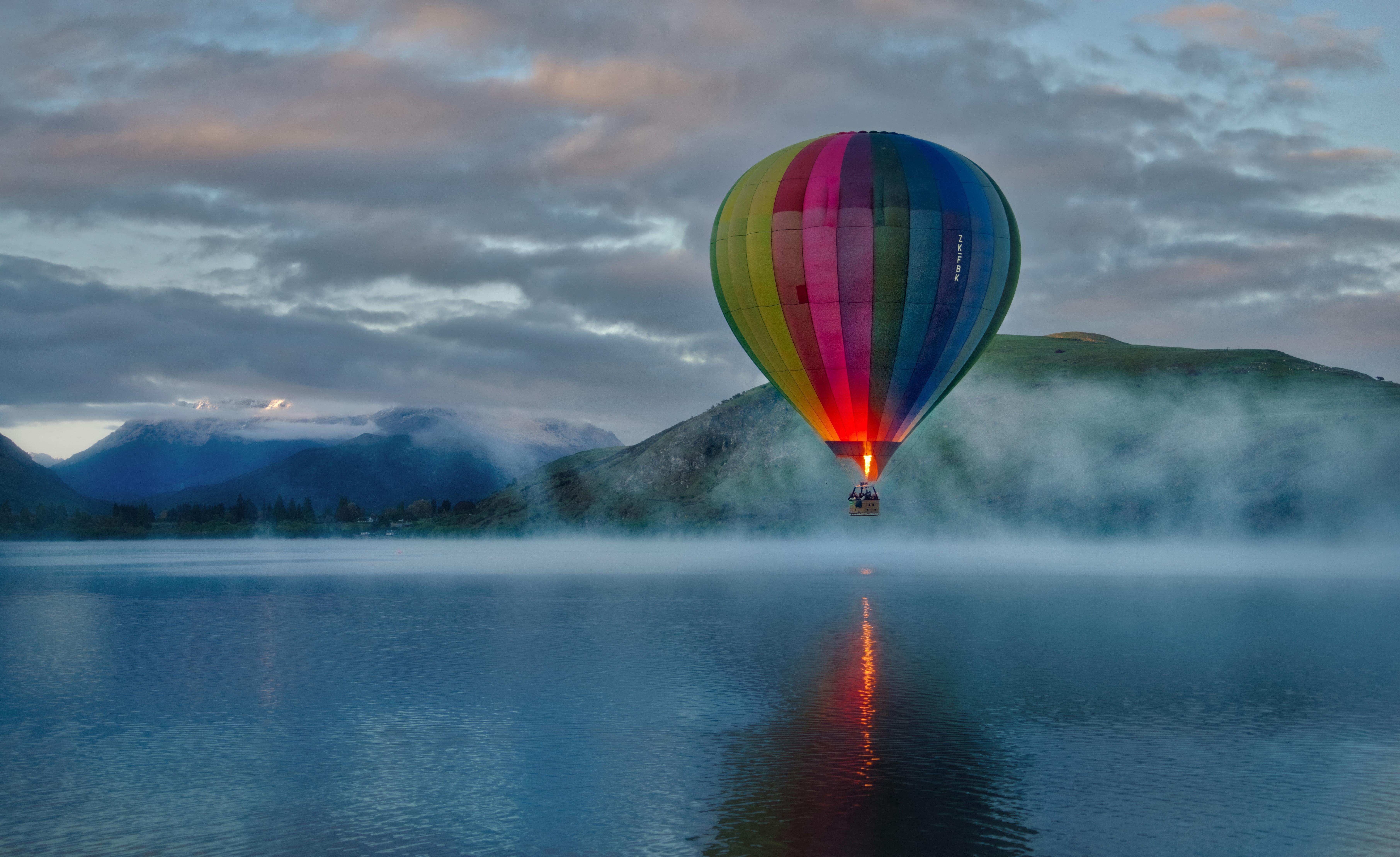 Hot Air Balloon 8k
