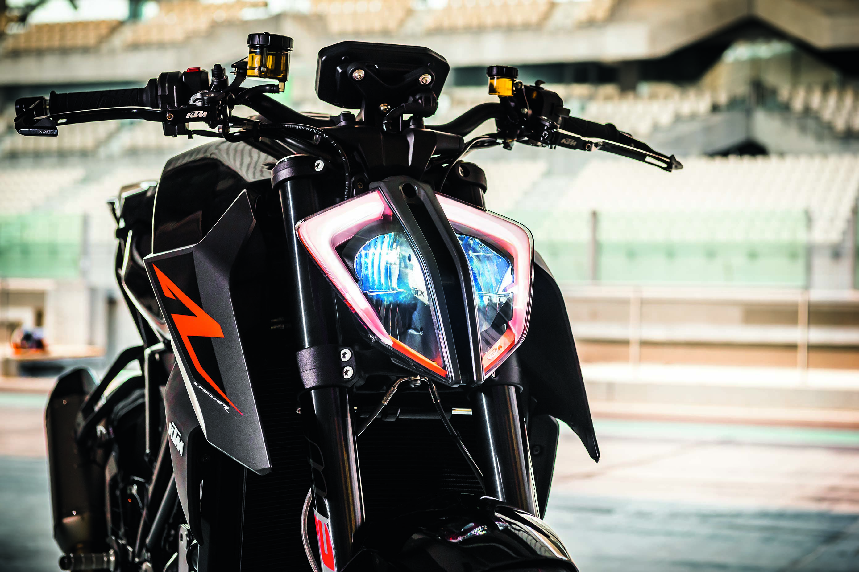 KTM 1290 Super Duke Front View