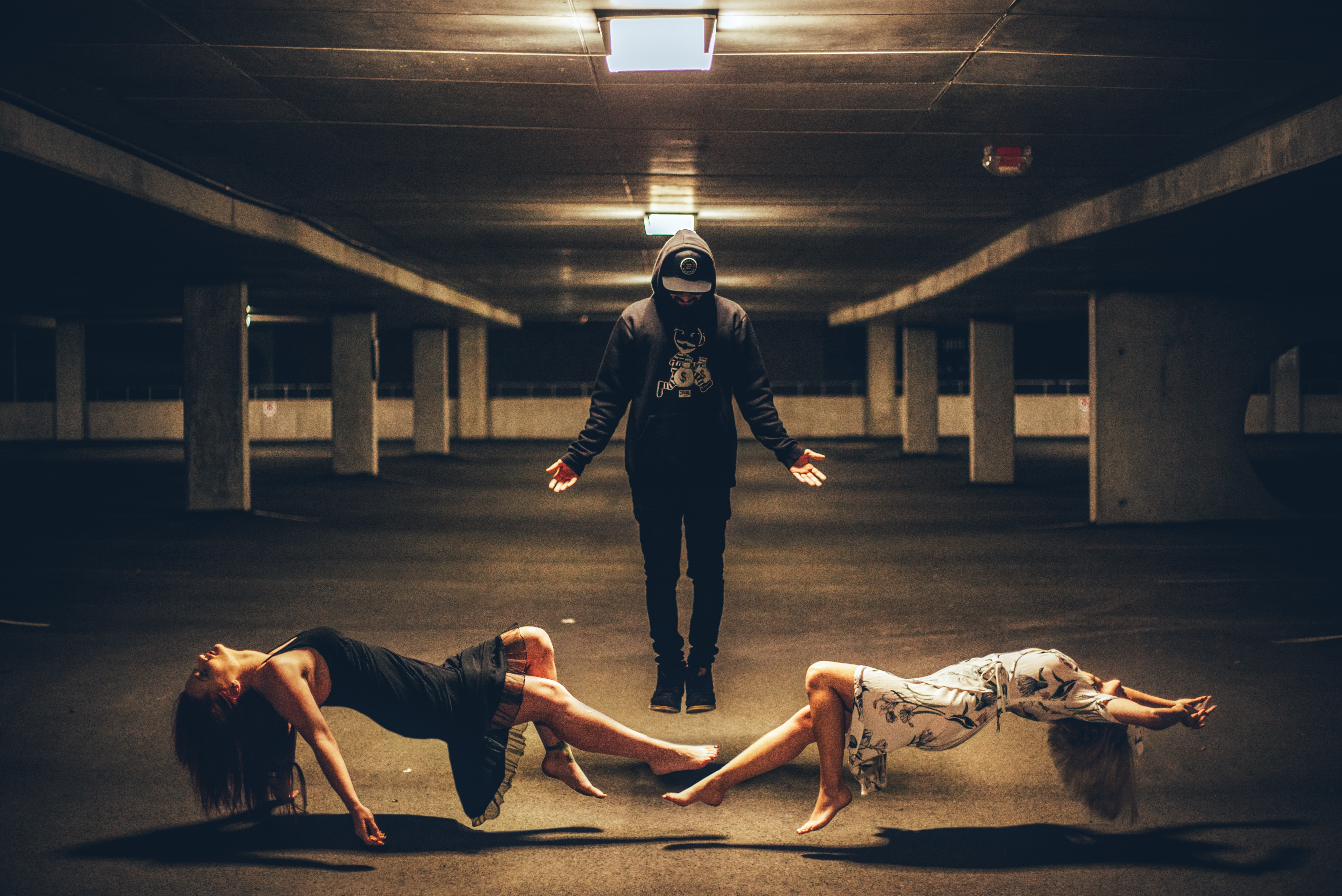 Levitating Magic Trick Hd Photography 4k Wallpapers