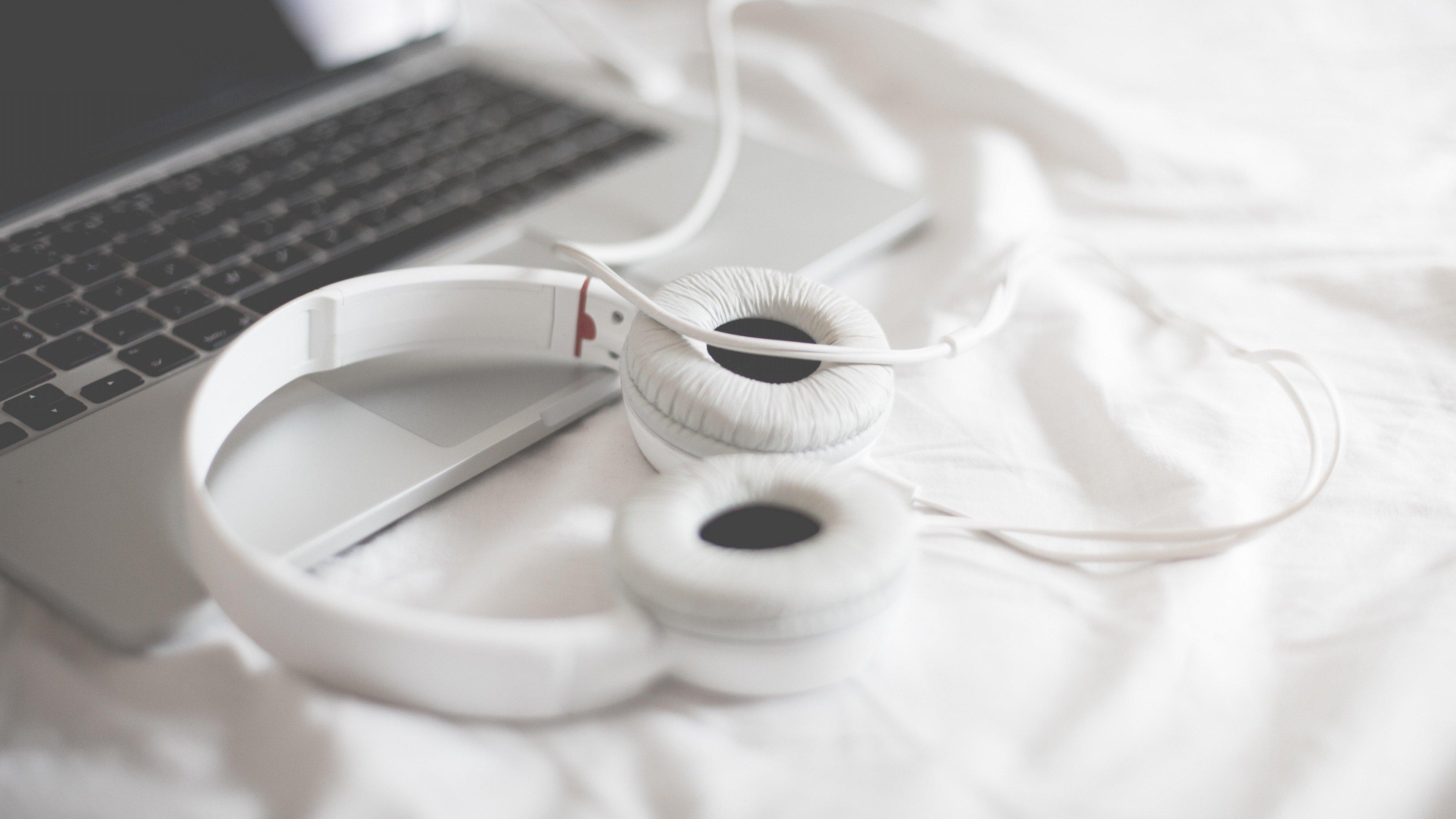 Earphones beats for girls - apple earphones adapter for laptop